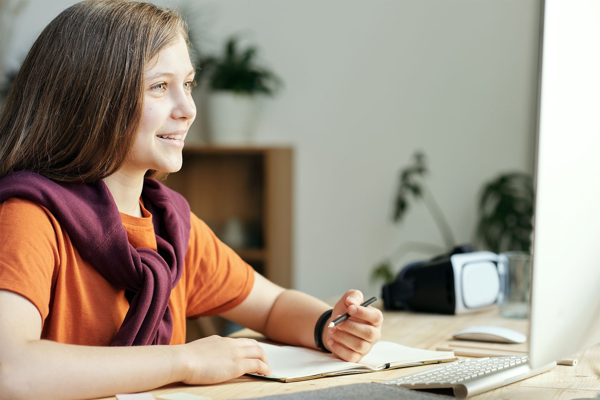 Handy Ergonomic Tips for Teens Studying at Home